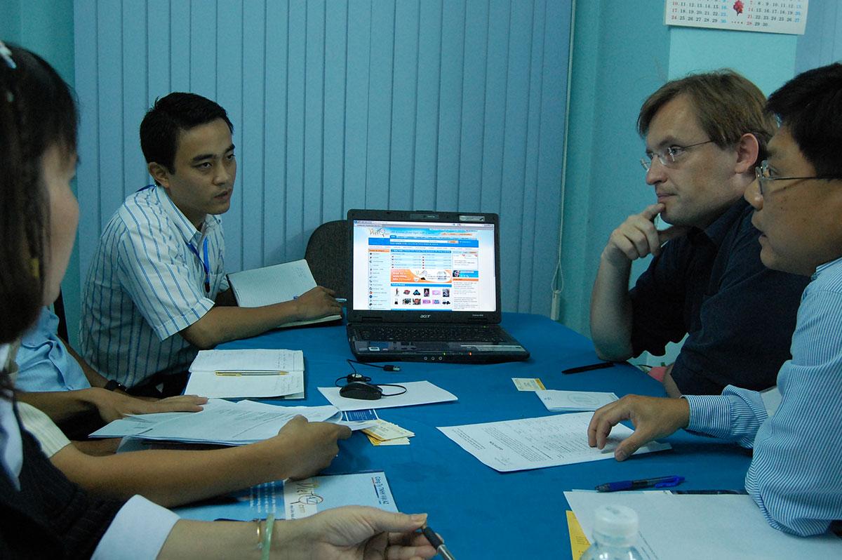 Việt AZ hợp tác xúc tiến TMĐT với đối tác Đan Mạch